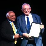 El cardiòleg Antoni Bayés de Luna ha recollit el premi a Dubai
