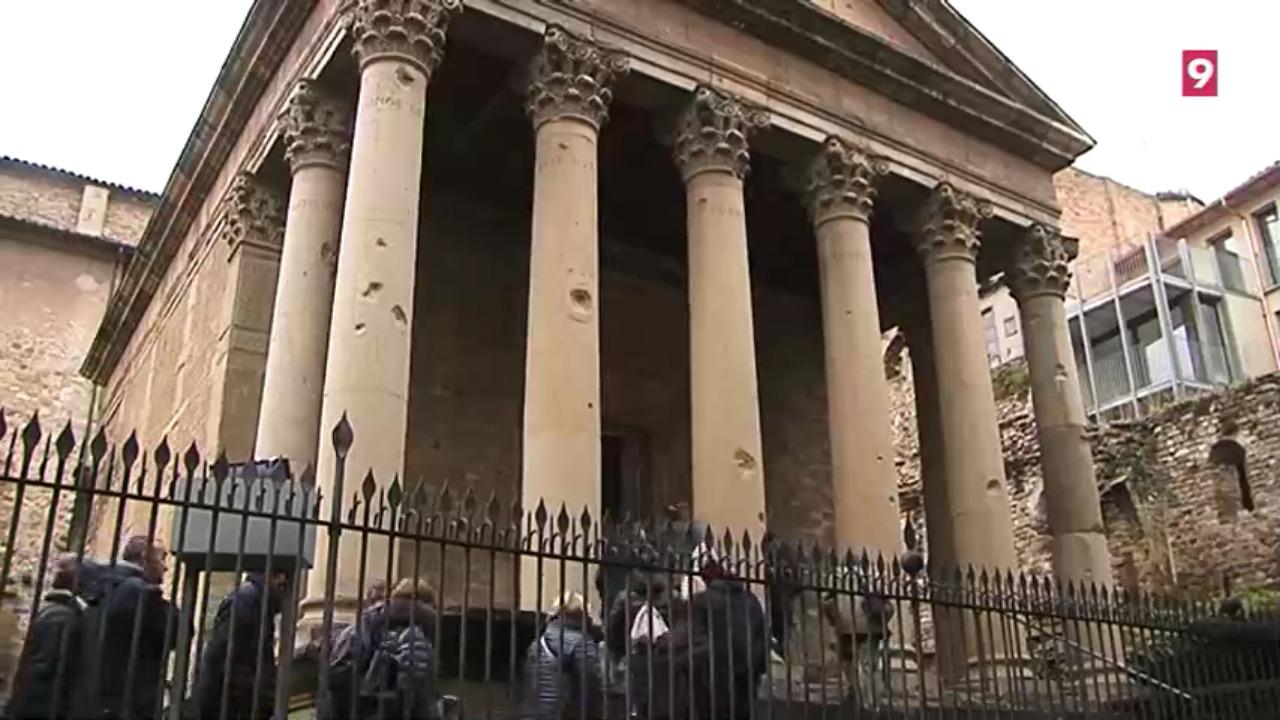 Al Temple Romà encara hi ha restes del bombardeig