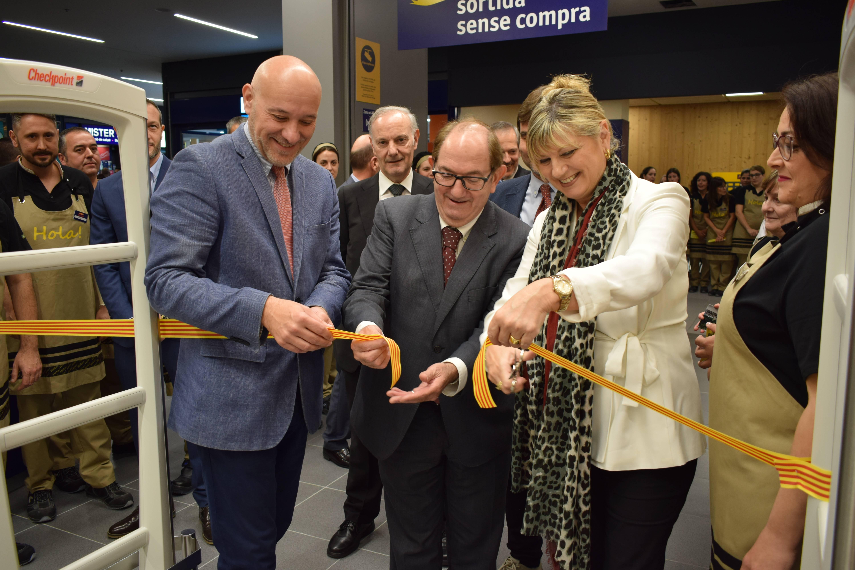 L'empresa ha continuat obrint nous establiments. A la foto, el nou Esclat de Tarragona amb Joan i Josep Font presents