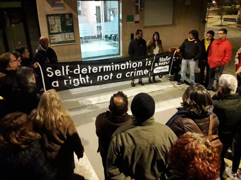 La concentració a Vallromanes d'aquest divendres al vespre /Ajuntament de Vallromanes