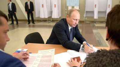 Russians ready for more status quo in 'mouse-proof' elections