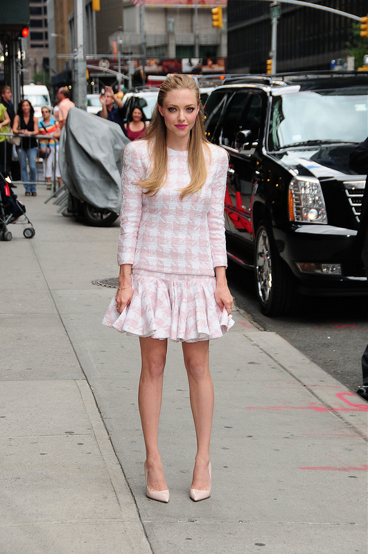 Bryan Cranston and Amanda Seyfried: Slebs at The Letterman Show
