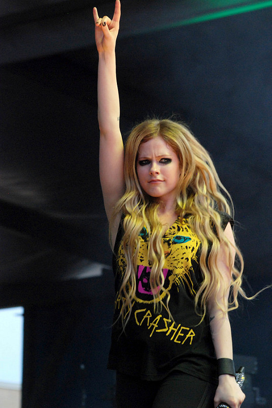 Miley, Cher Lloyd, Avril Lavigne and more at B96 Pepsi Summerbash Chicago