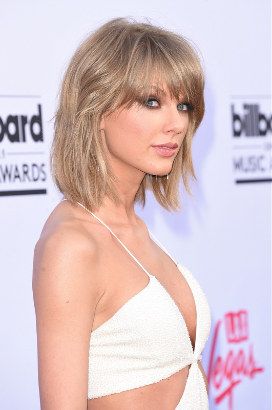 Taylor Swift Tops Maxim Hot 100