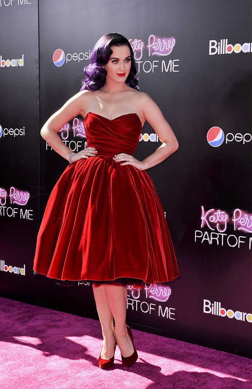 Part of Me Premiere: Katy Perry, Selena Gomez and more.