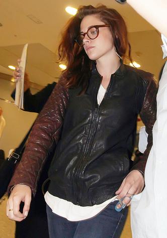 Kristen Stewart's Broken Finger