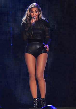 Beyonce and Friends Chime for Change at Twickenham