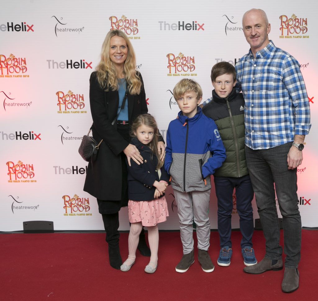 Pictured Niall Woods with Lisa Marine,Archie and Olly  at the opening night of The Helix Pantomime, Robin Hood on Saturday night.   Photo: Leon Farrell/Photocall Ireland.