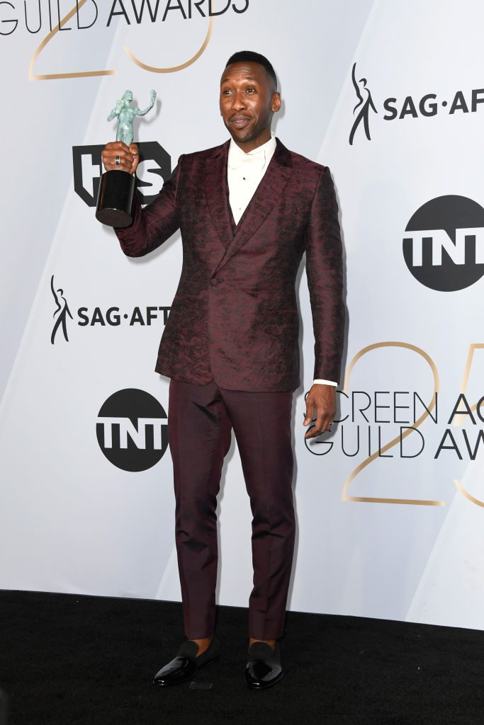 LOS ANGELES, CA - JANUARY 27:  Mahershala Ali, winner of Outstanding Performance by a Male Actor in a Supporting Role for 'Green Book,' poses in the press room during the 25th Annual Screen Actors Guild Awards at The Shrine Auditorium on January 27, 2019 in Los Angeles, California.  (Photo by Frazer Harrison/Getty Images)