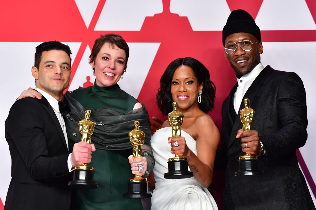 TOPSHOT - (L-R) Rami Malek, winner of Best Actor for 'Bohemian Rhapsody'; Olivia Colman, winner of Best Actress for 'The Favourite'; Regina King, winner of Best Supporting Actress for 'If Beale Street Could Talk'; and Mahershala Ali, winner of Best Supporting Actor for 'Green Book' pose in the press room during the 91st Annual Academy Awards at the Dolby Theater in Hollywood, California on February 24, 2019. (Photo by FREDERIC J. BROWN / AFP)        (Photo credit should read FREDERIC J. BROWN/AFP/Getty Images)