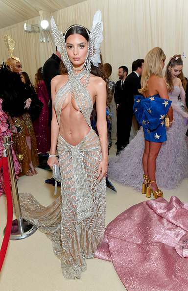 Emily Ratajkowski attends The 2019 Met Gala Celebrating Camp: Notes on Fashion at Metropolitan Museum of Art on May 06, 2019 in New York City. (Photo by Mike Coppola/MG19/Getty Images for The Met Museum/Vogue )