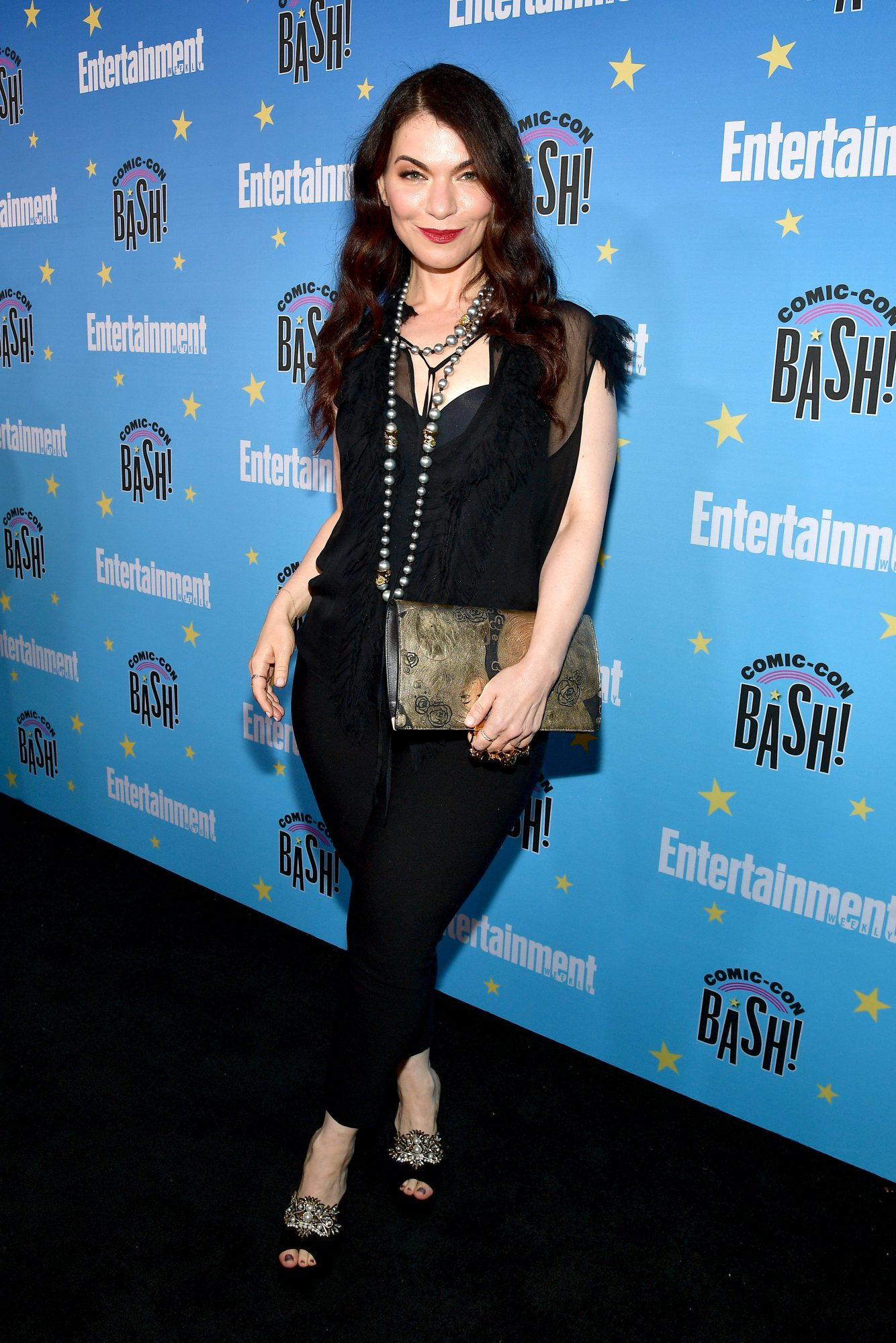 SAN DIEGO, CALIFORNIA - JULY 20: Julianna Margulies attends Entertainment Weekly's Comic-Con Bash held at FLOAT, Hard Rock Hotel San Diego on July 20, 2019 in San Diego, California sponsored by HBO. (Photo by Matt Winkelmeyer/Getty Images for Entertainment Weekly)