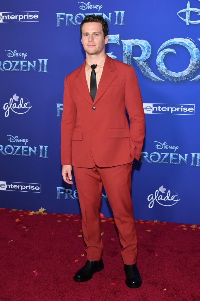 "Jonathan Groff attends the premiere of Disney's ""Frozen 2"" at Dolby Theatre on November 07, 2019 in Hollywood, California. (Photo by Amy Sussman/Getty Images)"