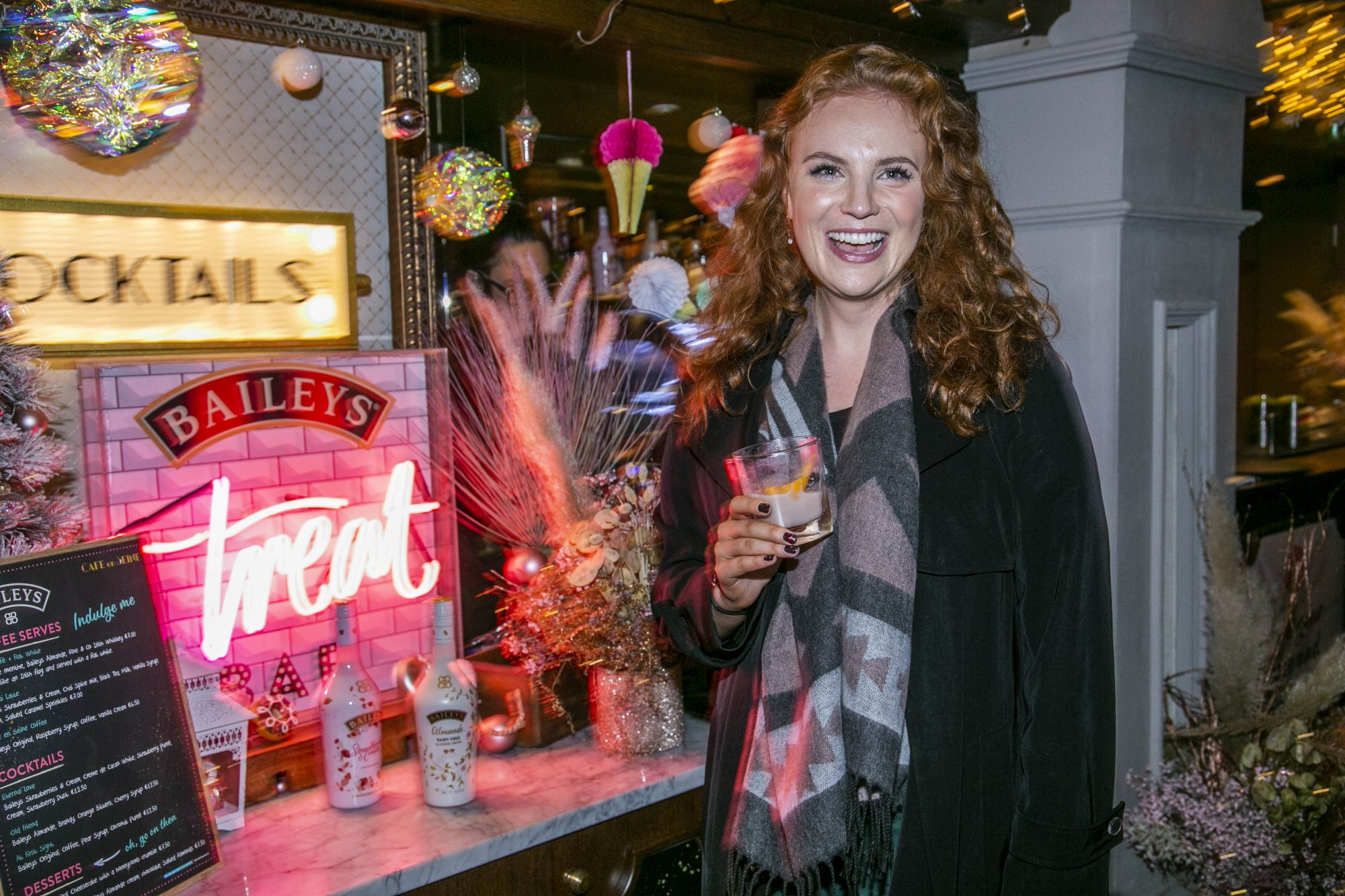 Guests pictured celebrating the launch of Bailey's Treat Bar series with a mix of irresistible exclusive Baileys desserts and cocktails at Café en Seine.