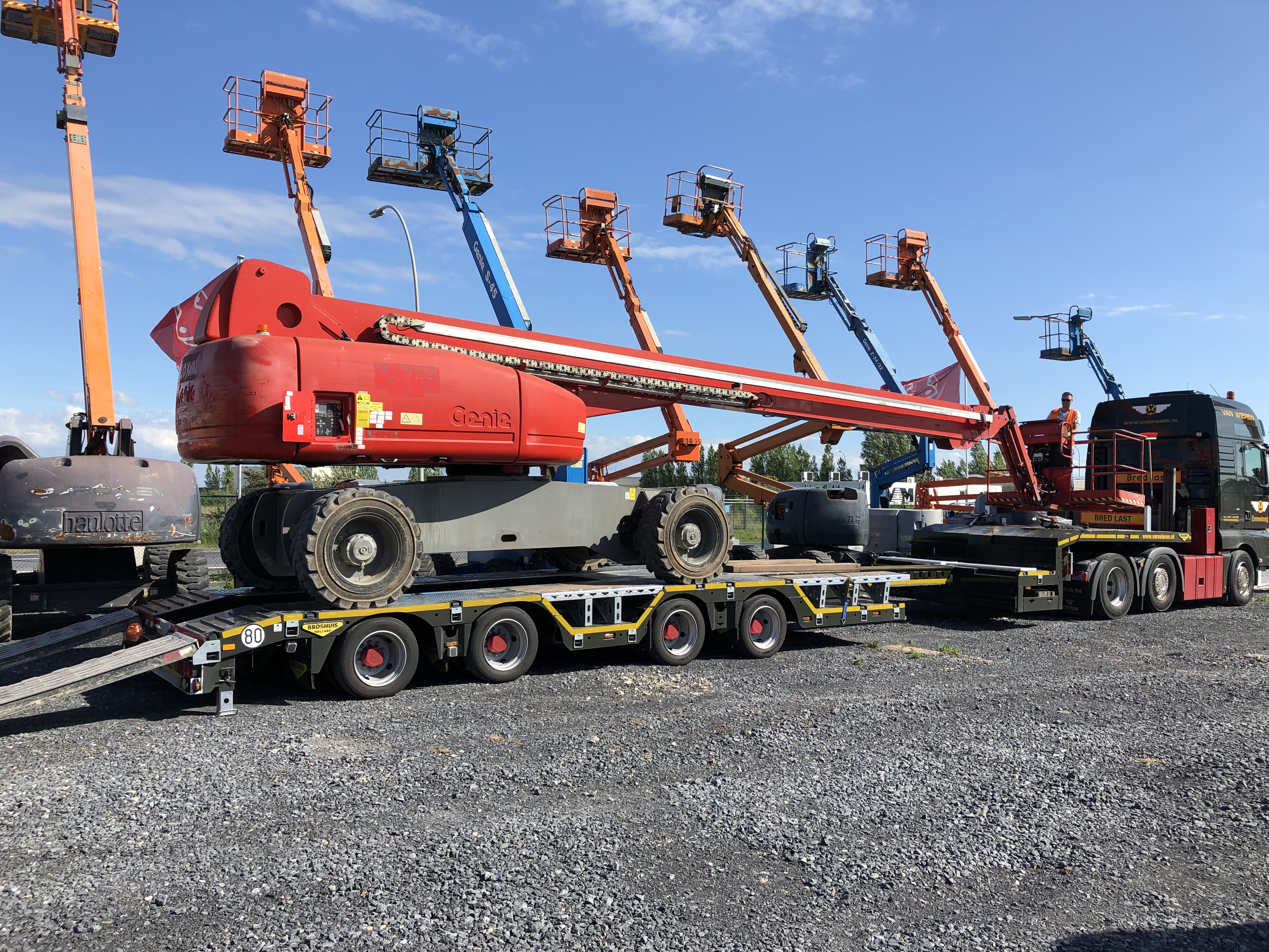 40 meter Telescopic Boomlift delivered to Equippo Auction's yard.JPG