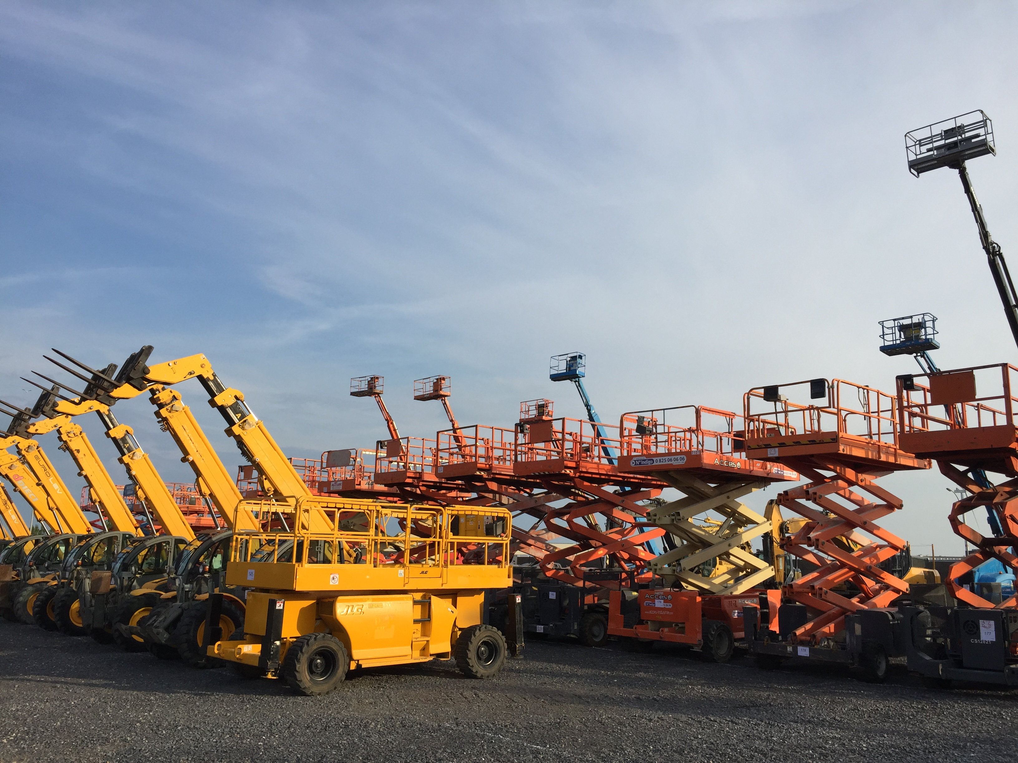 Machines lined up at Equippo Auction's yard in Zeebrugge.JPG
