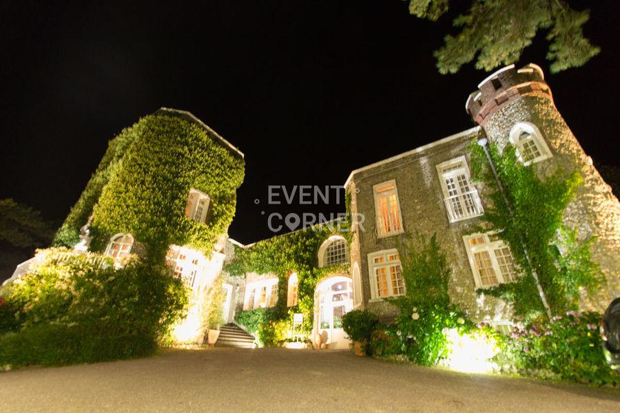 Domaine Saint-Clair Le Donjon - Façade de nuit