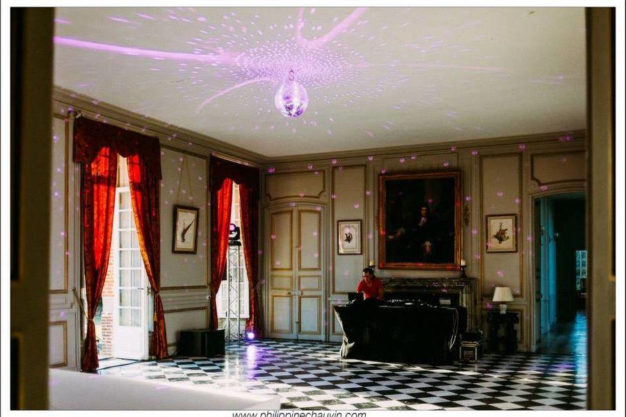 Château de Neuville - Le Grand Salon 3