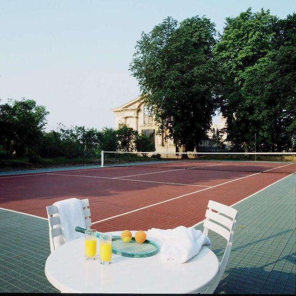 Château de Fère - Terrain de Tennis