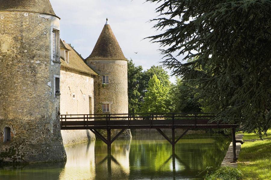 Château de Villiers le Mahieu - Extérieurs