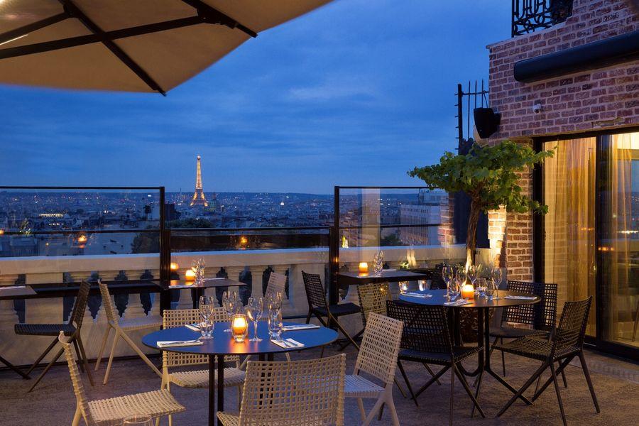 Terrass Hotel - Terrasse de nuit 2