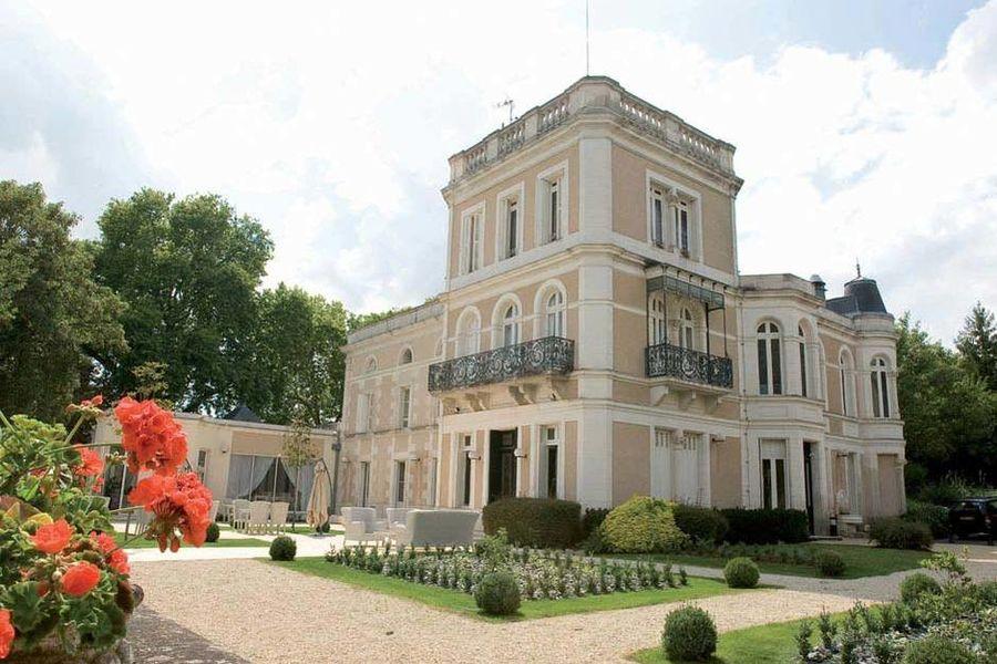 Château du Clos de la Ribaudière - Vue extérieure