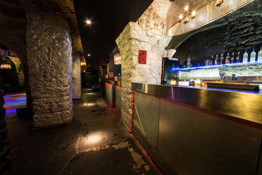Dandy Saint Germain - Bar
