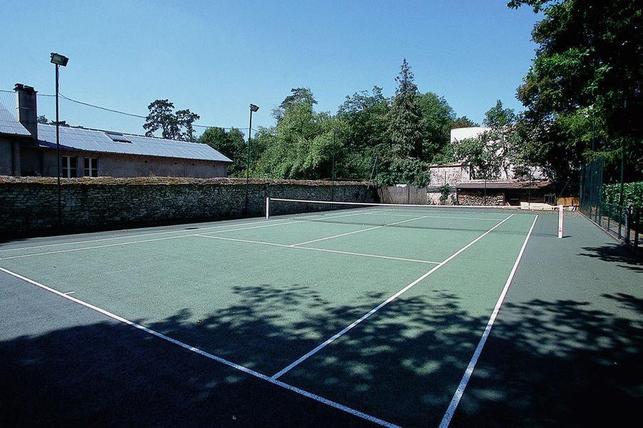 Hôtel Mercure Fontainebleau - Court de tennis