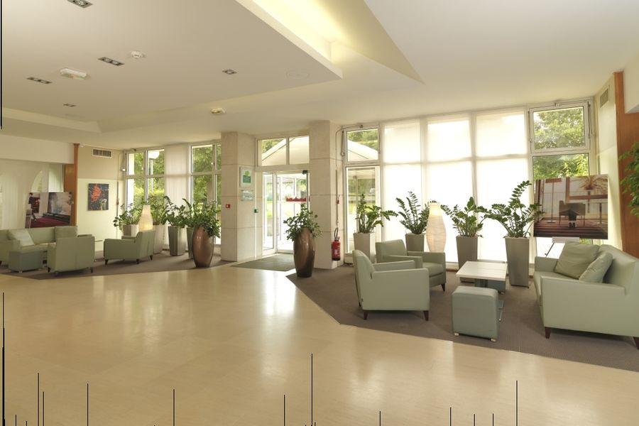 Hotel Mercure Parc du Coudray - Hall