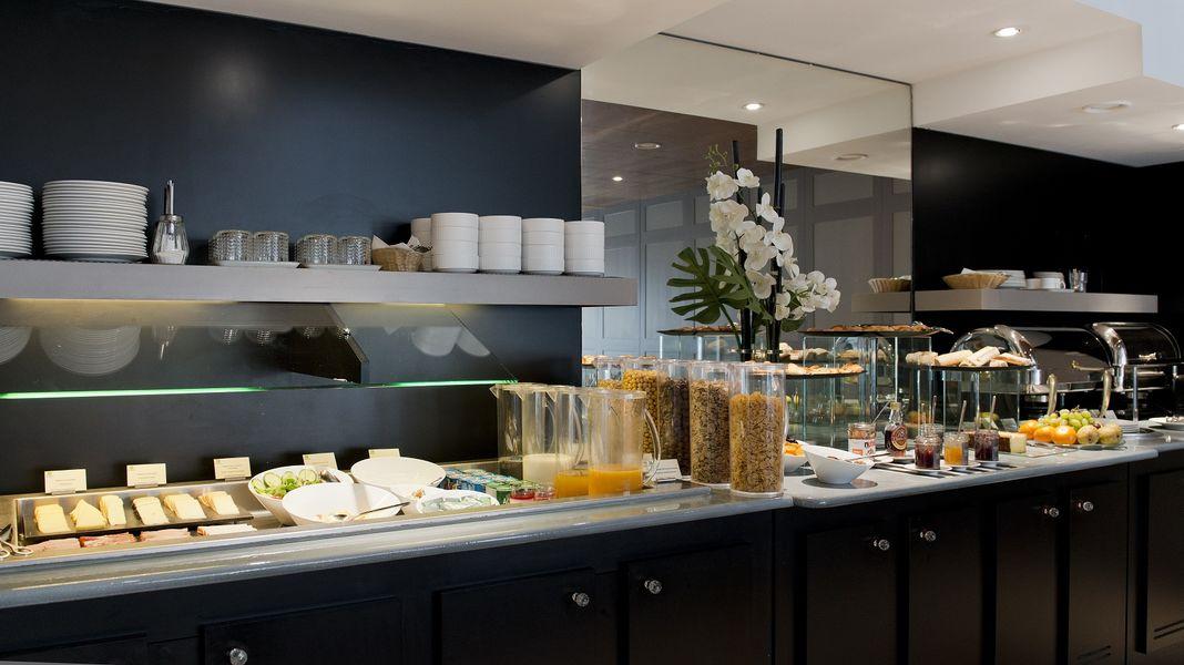 Holiday Inn paris montparnasse pasteur - Salle petit déjeuner