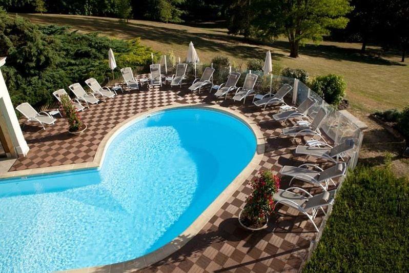 chateau_de_la_tour_piscine