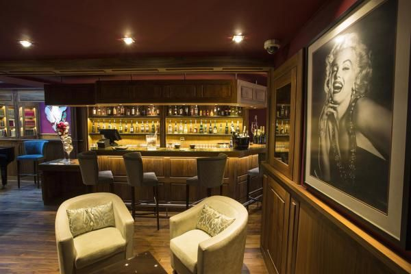 BEST WESTERN Cannes Riviera Hotel **** Bar lounge