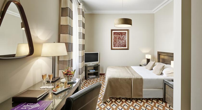 Hôtel Juana ***** 40