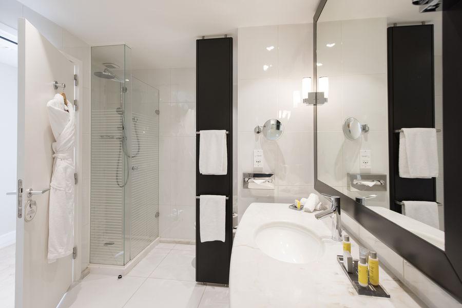 Opéra Hôtel Marriott Lyon Cité Internationale **** Salle de bain