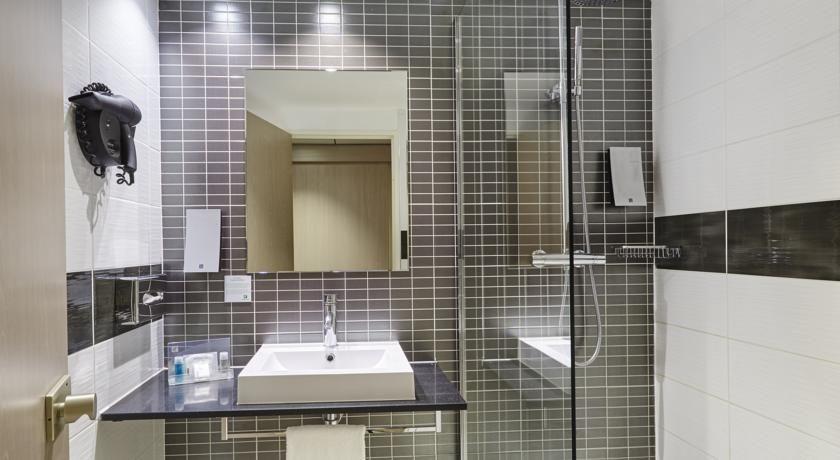Holiday Inn Toulon City Centre **** 8