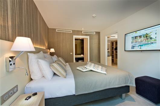 Golden Tulip Sophia Antipolis Hôtel & Suites Chambre