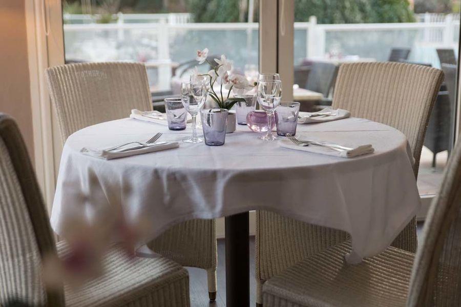 Hostellerie de l'Abbaye*** - Le Thoronet Restaurant