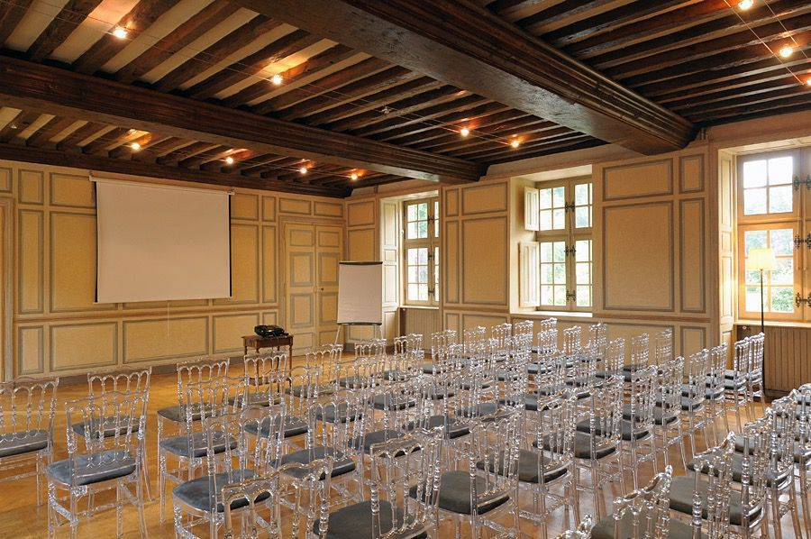 Château de la Cour Senlisse Conférence