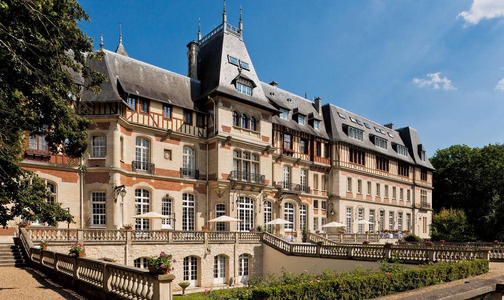 Chateau de montvillargenne facade