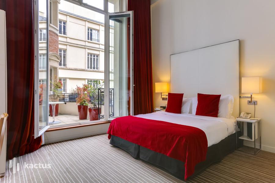Hôtel Intercontinental Avenue Marceau ***** 51