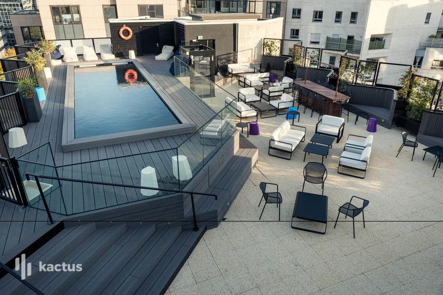 Hôtel Mercure Paris Boulogne **** Terrasse et la piscine
