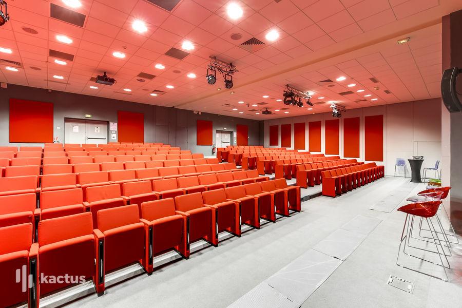 Domaine de Fremigny Auditorium - Le Comtois (2 travées)