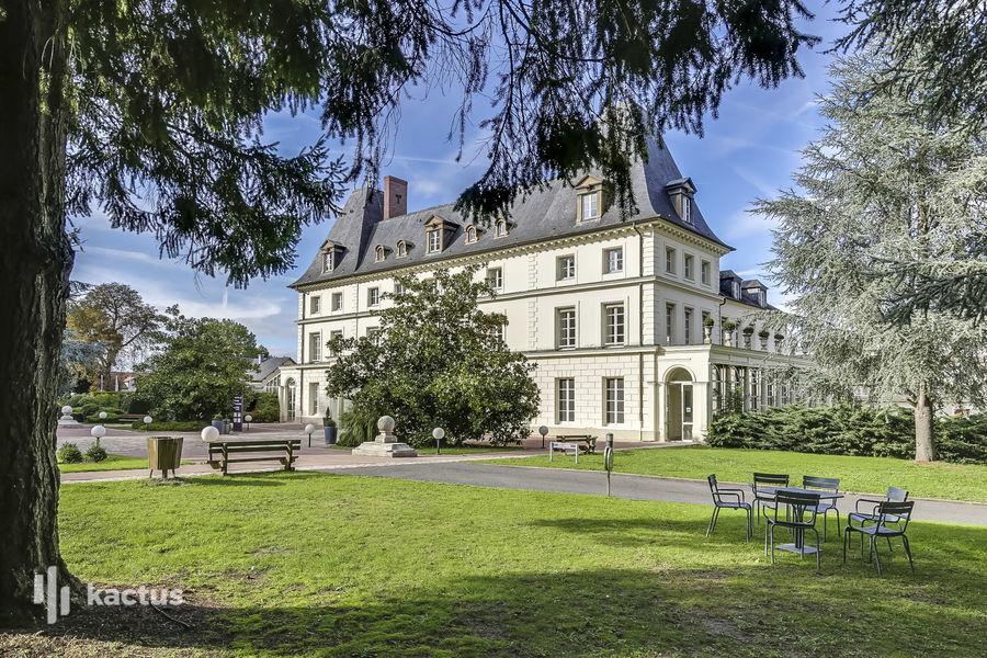 Domaine de Fremigny Façade