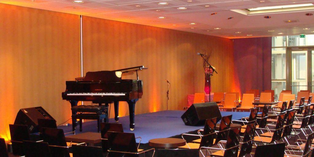 Holiday Inn Express Paris-Canal De La Villette *** Concert