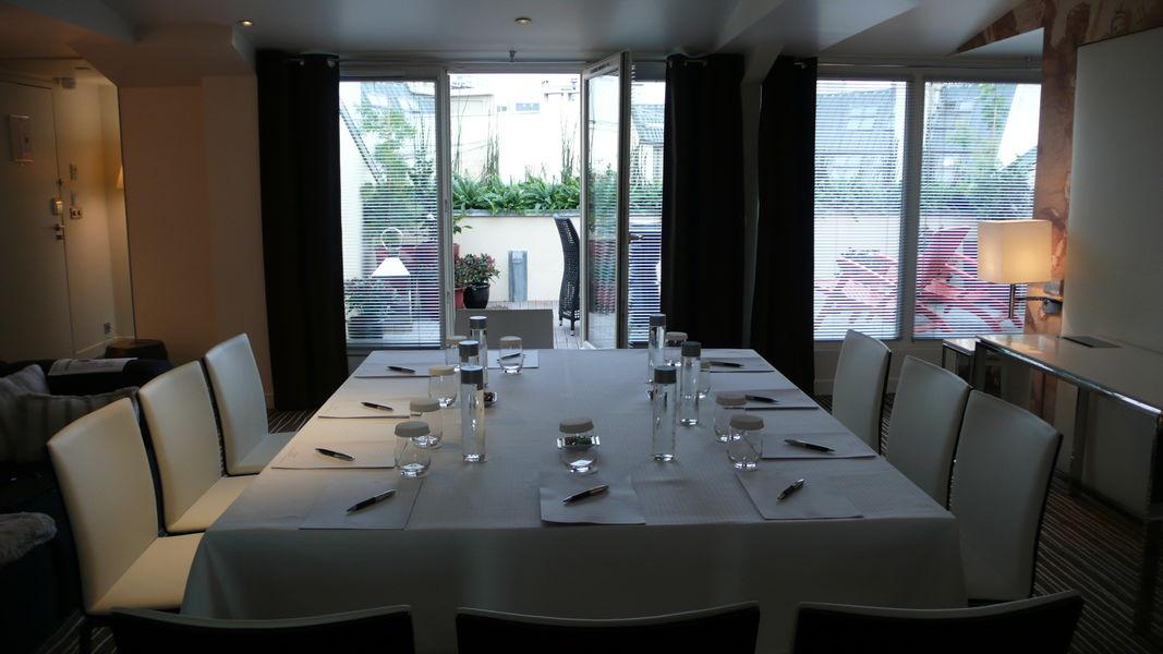 Hôtel Intercontinental Avenue Marceau ***** Suite avec terrasse privative