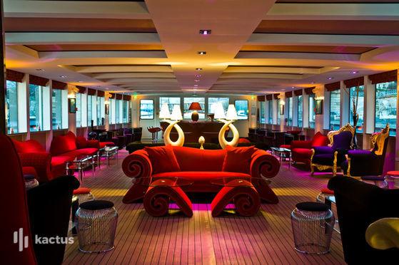 Yacht Clipper Paris en soirée
