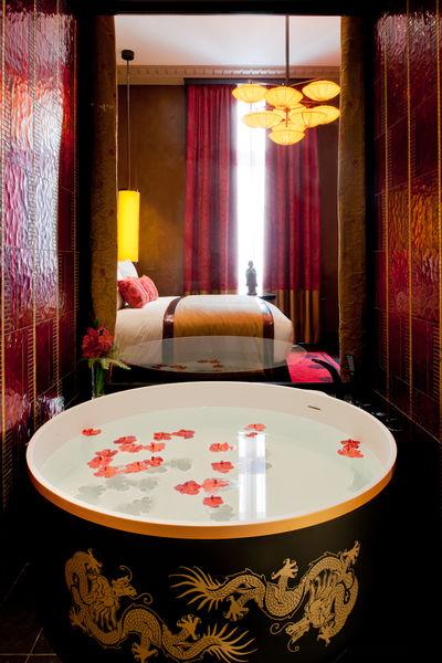 Buddha-Bar Hôtel Paris ***** Chambre Deluxe King - Salle de bain