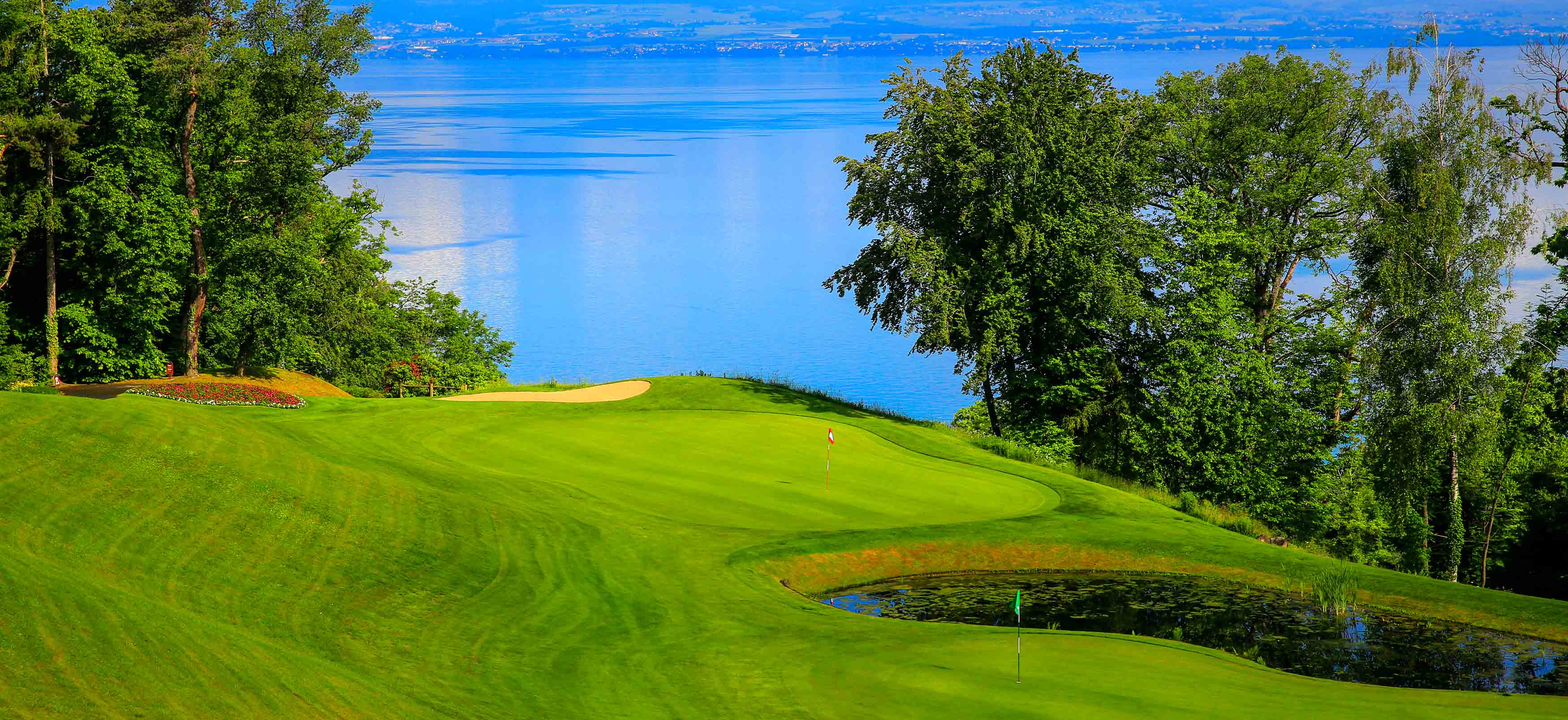 Academy of evian resort golf club a training centre and a for Lake geneva resorts cabins