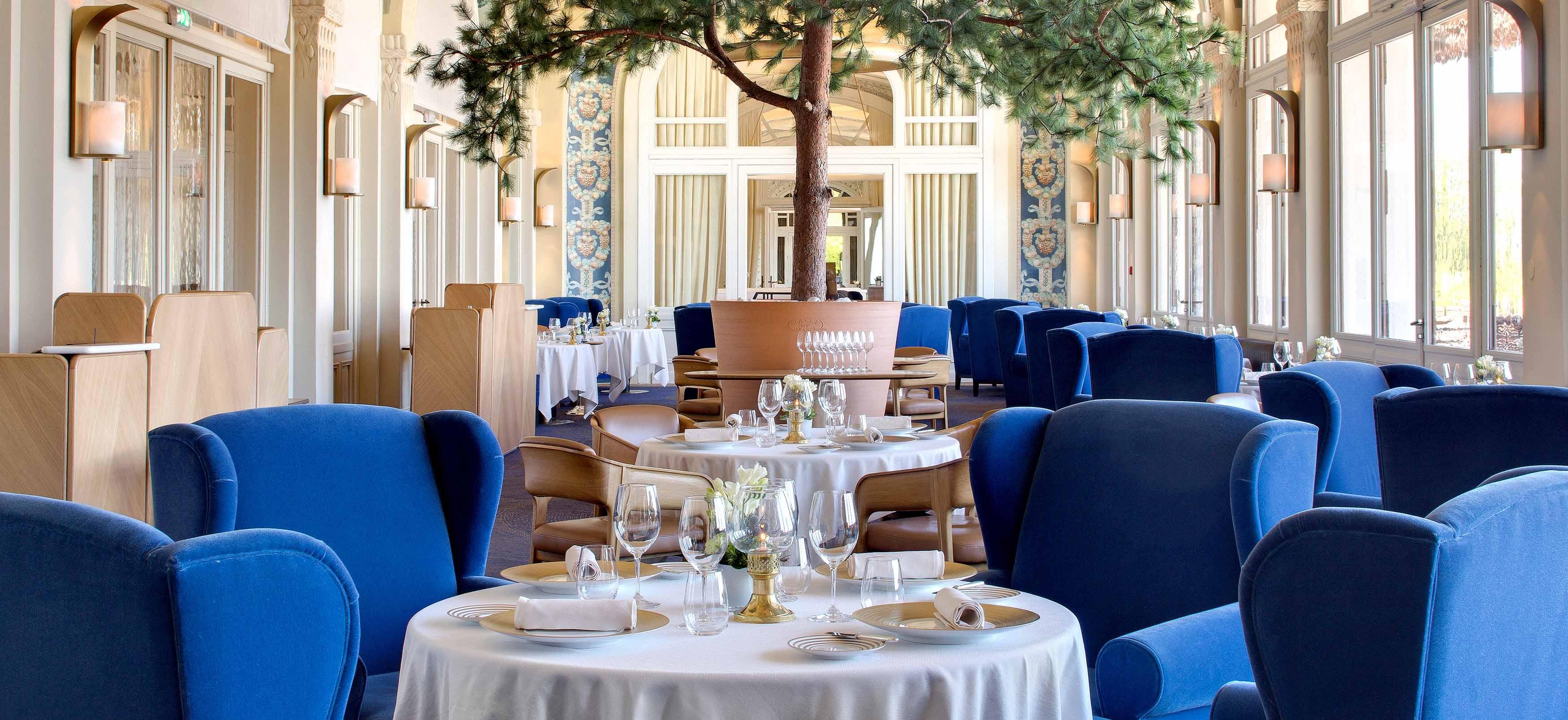 Gastronomic restaurant Les Fresques 5 star Hotel ROYAL