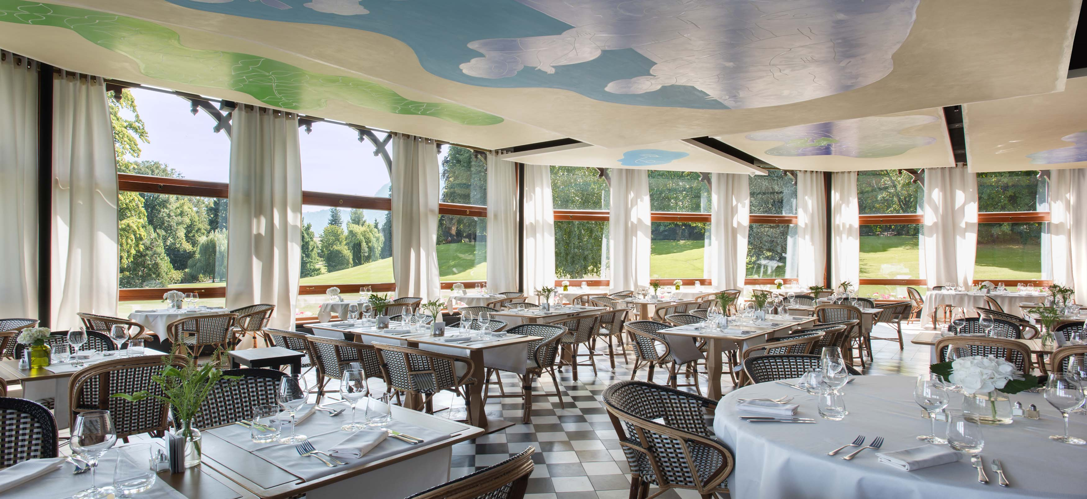 Restaurant la veranda 5 star hotel royal evian france for Hotel royal